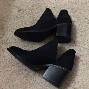 Vince camuto boots sz 5